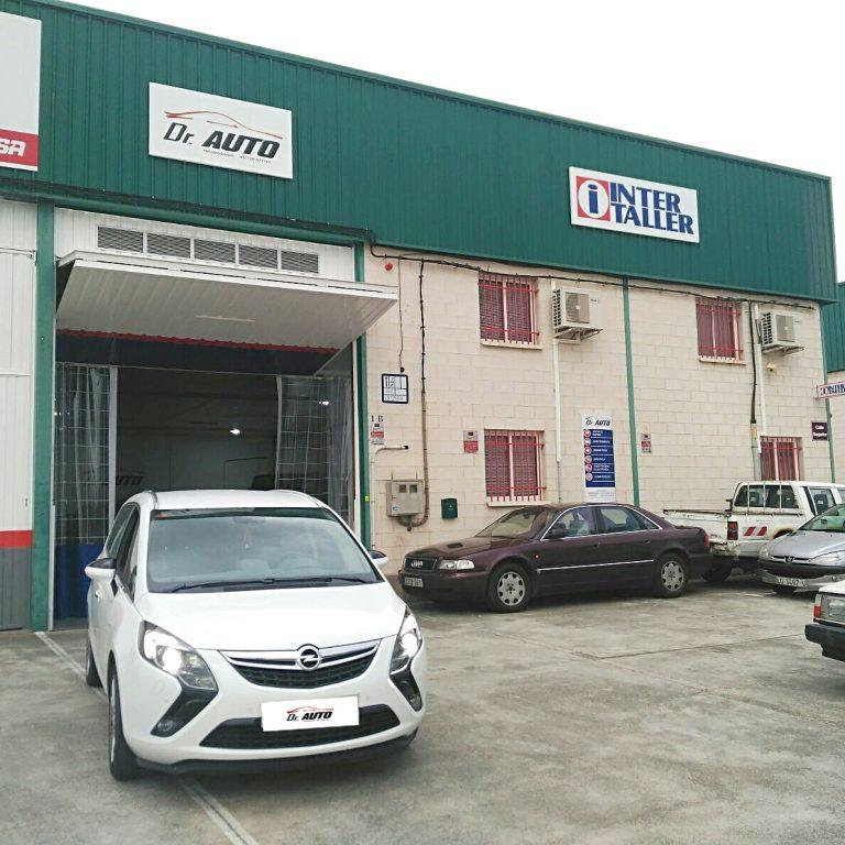 Taller mecánico DrAuto - Logroño - La Rioja - mecánico - coches - nuestro taller