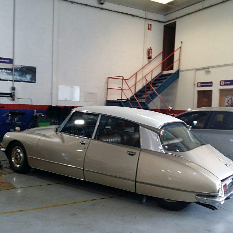 Taller mecánico DrAuto - Logroño - La Rioja - coches clásicos - citroen tiburon